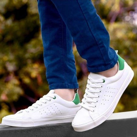 How to keep white shoes clean and white?